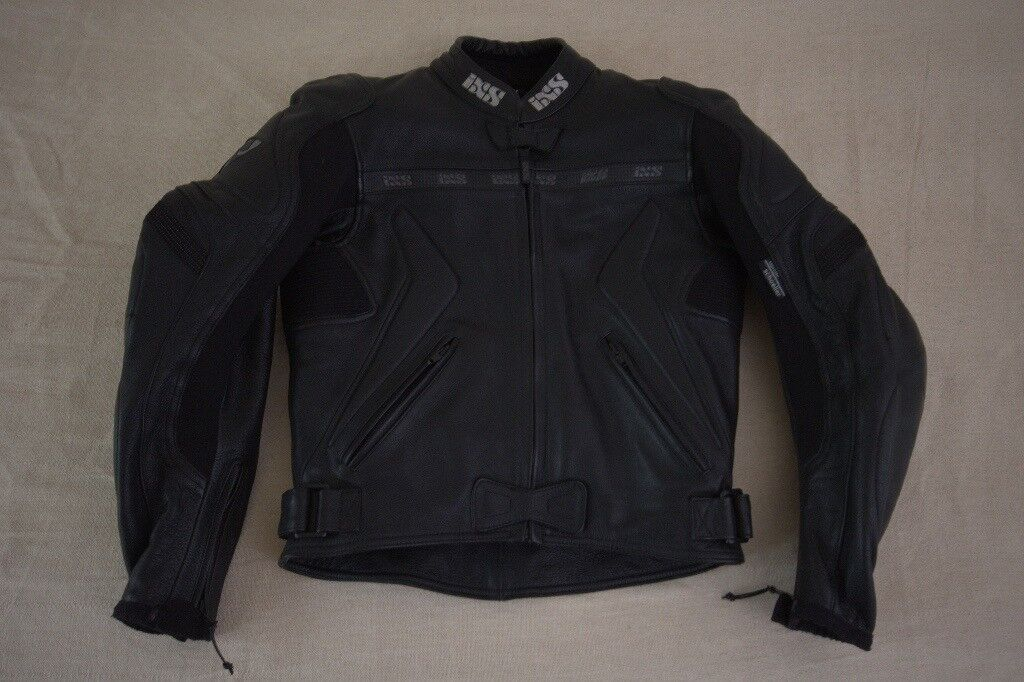 Womens IXS Leather motorcycle Jacket size 40 (suit size S)