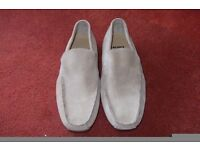 Mens casual shoes Lacoste suede loafers slip ons Size 9 EUR 43