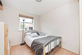 2 bed in HERITAGE PARK- Tooting Bec station! £330 pw!
