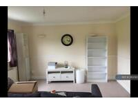 2 bedroom flat in Lewisham Way, London, SE4 (2 bed)
