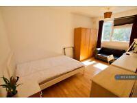 3 bedroom flat in Aveline Street, London, SE11 (3 bed) (#1115912)