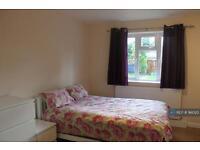 2 bedroom flat in Hibernia Road, Hounslow, TW3 (2 bed)