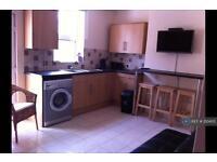4 bedroom house in Melbourne Road, Eastbourne, BN22 (4 bed)
