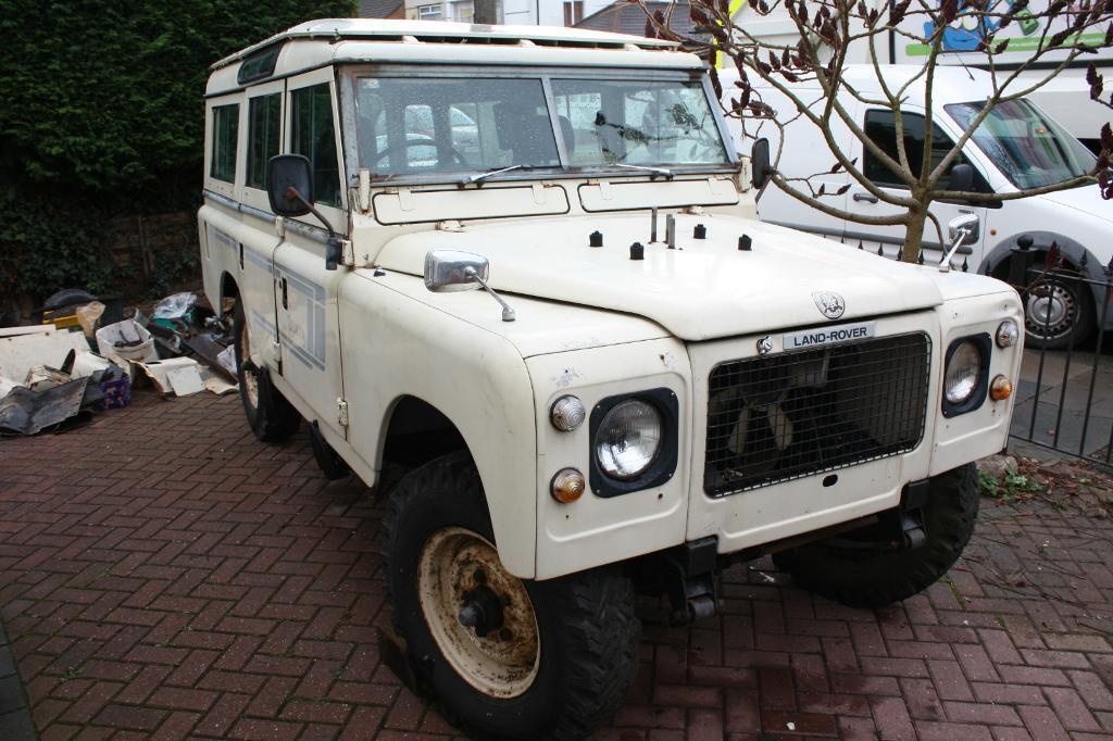 land rover series 3 109 stage 1 v8 safari sw in. Black Bedroom Furniture Sets. Home Design Ideas