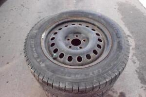 GMC Terrain Chevrolet Equinox 235/60/17 Michelin Snows On Rims 85% Tread