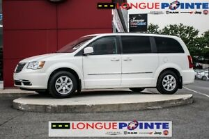 2012 Chrysler Town & Country Touring, Bas milleage, Caméra de re