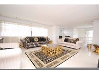 **3 bedroom split level penthouse with roof terrace in Totteridge Whetstone available!**