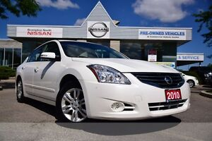 2010 Nissan Altima 2.5 SL *LOW KM,Leather,Sunroof,Heated Seats*