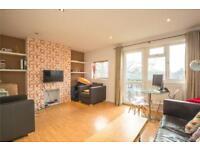 2 bedroom flat in Mansfield Heights, Great North Road, London, N2