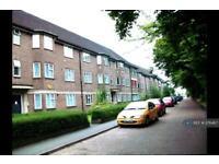 2 bedroom flat in Parklands Court, Middlesex, TW5 (2 bed)