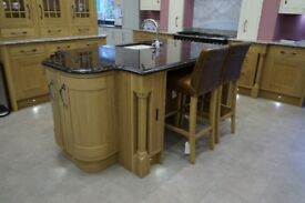 Lisa Oak and Ivory In-Frame Solid Wood Kitchen Island Unit