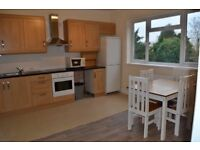 *Open to Offers*Newly Refurbished, Three Double Bedroom, Minutes from Catford Train Station!