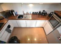 2 bedroom flat in Roma Victoria Wharf, Watkiss Way, Cardiff Bay