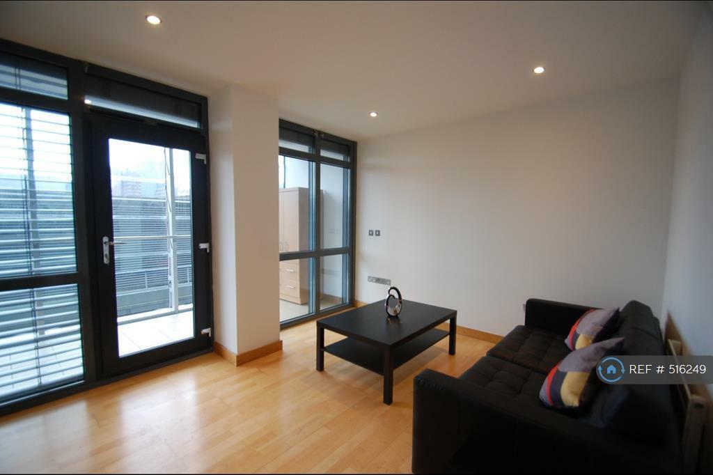 Studio Flat In Deansgate Manchester M3 516249