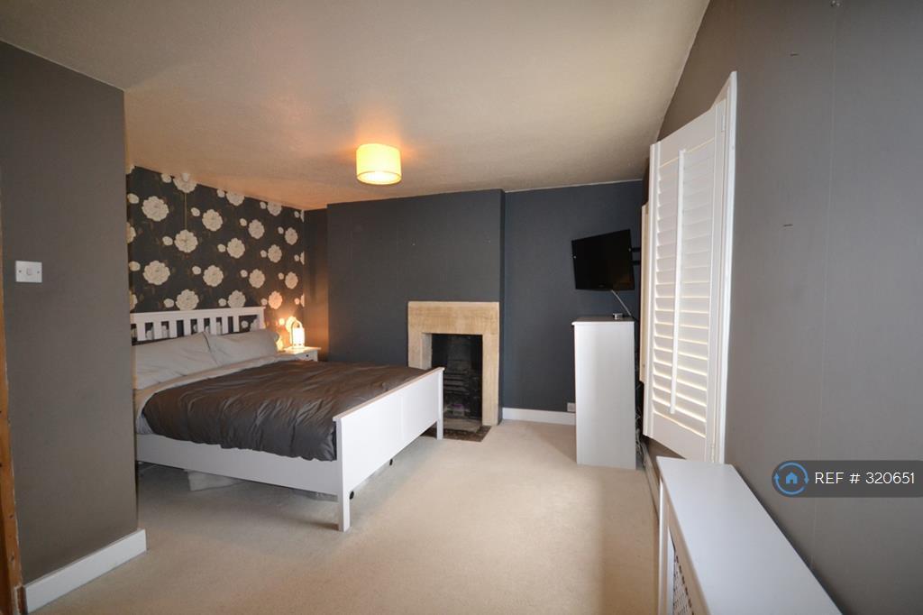 2 bedroom house in Wellsway, Bath, BA2 (2