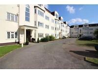 3 bedroom flat in Etchingham Court, Etchingham Park Road, London, N3
