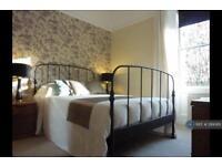 2 bedroom flat in Steel's Place, Edinburgh, EH10 (2 bed)