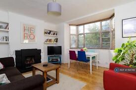 2 bedroom flat in Colney Hatch Lane, London, N10 (2 bed)