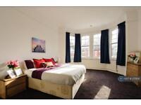 1 bedroom in Woodgrange Avenue, London, W5