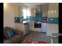 2 bedroom flat in Irving House, Bristol, BS1 (2 bed)