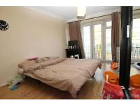 Studio flat in Tip Tree Drive, Enfield