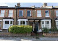 3 bedroom house in Long Lane, London, N2 (3 bed) (#751738)