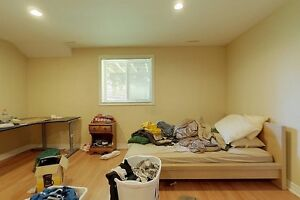 Ideal student rental! Great for groups of 3 and 4! Kitchener / Waterloo Kitchener Area image 12