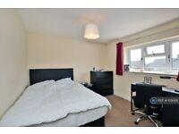 1 bedroom in Applegarth Avenue, Guildford, GU2 (#1091419)