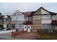 2 Bed House with a large store room, driveway and garden