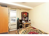 CAMDEN HIGH STREET, NW1: -HEART OF CAMDEN -PRIVATE ENTRANCE -GOOD SIZED ROOMS -GREAT VALUE
