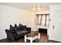 3 bedroom house in Larks Grove, Barking, IG11