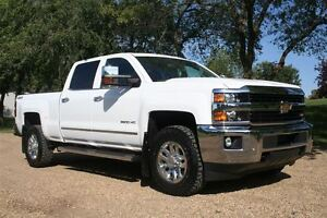 2015 Chevrolet SILVERADO 2500HD LTZ, 4X4, MOONROOF, NAV, BACK UP