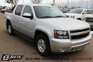 2011 Chevrolet Avalanche 1500 LT Sunroof! Leather! Heated seats!