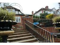 5 bedroom house in Hay Lane, London, NW9 (5 bed)