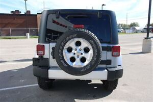 2014 Jeep Wrangler Unlimited Sahara *ONE OWNER* London Ontario image 9