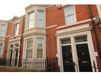 3 bedroom flat in Wingrove Avenue, Fenham