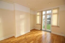 4 bedroom house in Strathmore Gardens, Finchley, N3