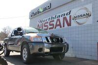 2013 Nissan Titan SV / Back Up Camera