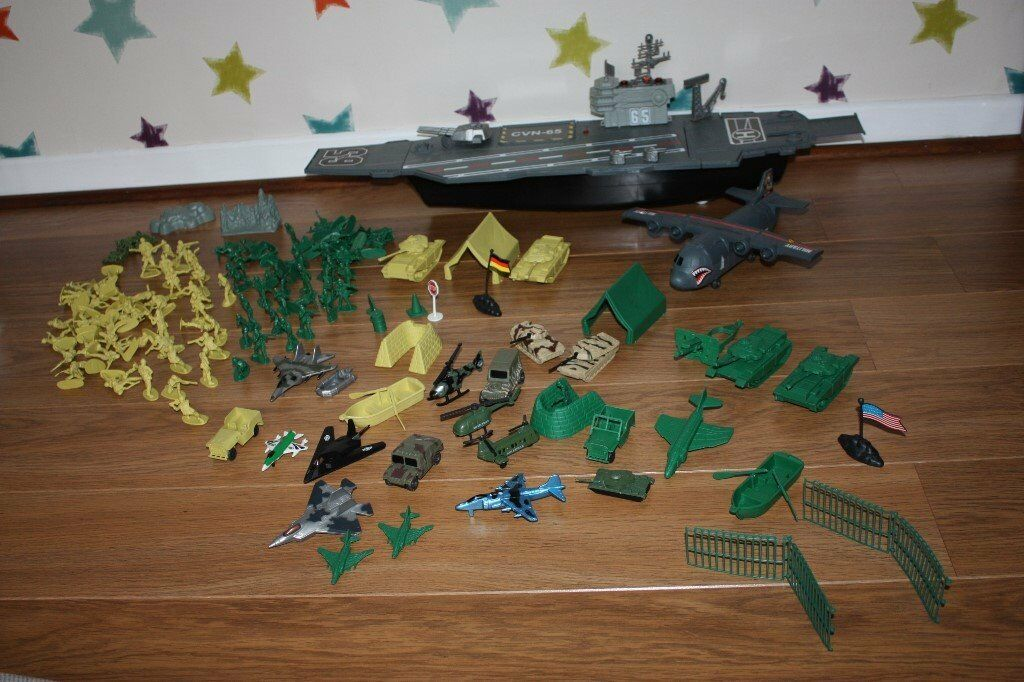 Large Bundle of Boys Army Military Toys incliding soldiers, tanks ...