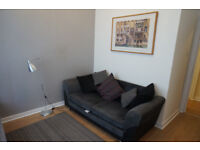 Brilliant one bedroom flat freshly decorated in the heart of Cathcart.