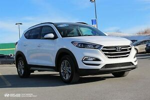 2017 Hyundai Tucson SE! LEATHER! SUNROOF! WARRANTY! AWD