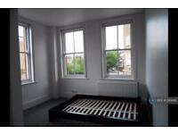 2 bedroom flat in Broadway Market, London, E8 (2 bed)