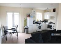 2 bedroom flat in Middlebrook View, Bolton, BL6 (2 bed)