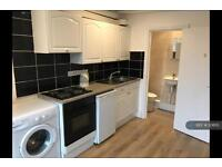 Studio flat in Earls Court, Earls Court , SW5