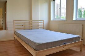 Good size one bedroom flat located a short walk to Earlsfield & Southfields stations