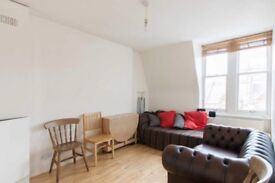 3 Bedroom Flat in Barons Court (Close to station!) NO DEPOSIT
