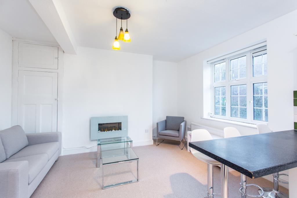 2 bedroom flat in Brook House, Cranleigh Street, London NW1