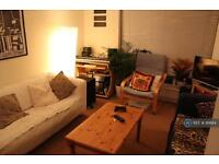 2 bedroom flat in Upper Tulse Hill, South London, SW2 (2 bed)