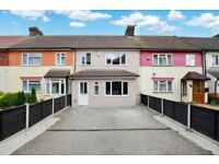 Massive 5 Bed, 3 Bath House Greenwich SE10 - Private Garden + Driveway That Can hold 4 Cars!!