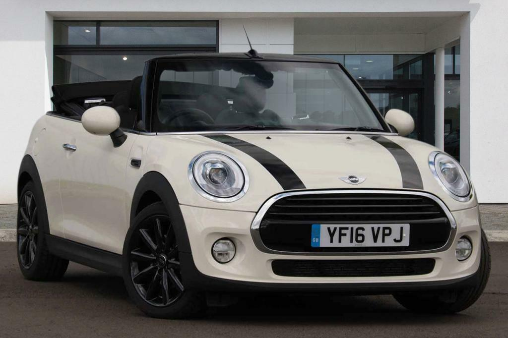 mini hatch cooper s white silver 2016 in kensington london gumtree. Black Bedroom Furniture Sets. Home Design Ideas